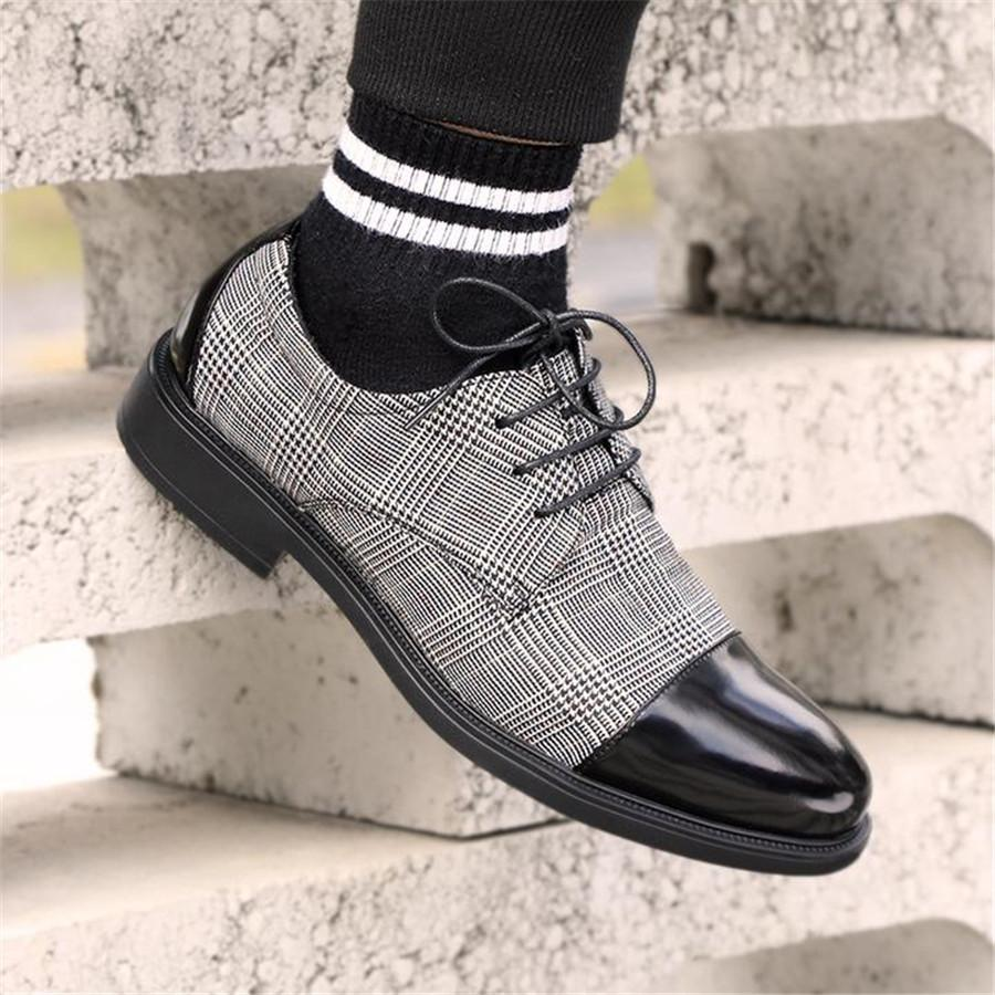 2019 New Men Casual Shoes Brogue Shoes Vintage Style PU Leather Lace Up Men Formal Dress Oxfords Party Office Wedding Shoes P20