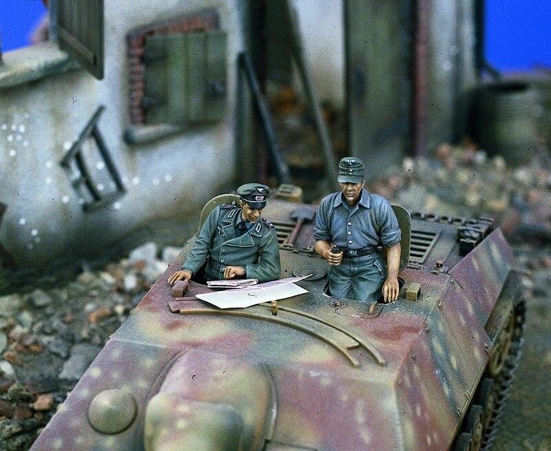 1:35  German Stug Crew