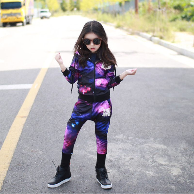 цена Children Clothing Set Boys Street Dance Costume Starry sky Two Piece Set Baby Girl Jacket for girls + Hip hop Causal Pants 2pcs онлайн в 2017 году