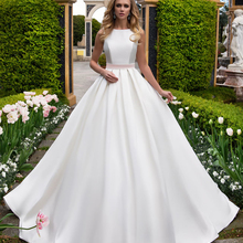 Loverxu Sexy Backless Wedding Dresses 2019 Chapel Train