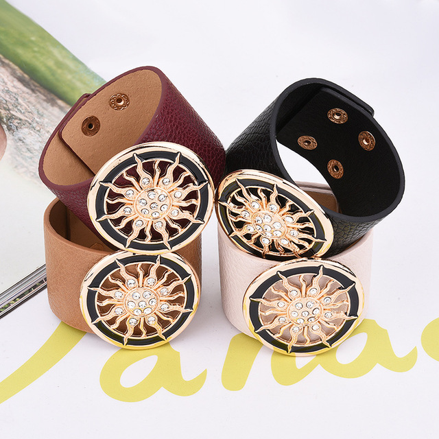 2018 New Fashion Leather Bracelets for Women Wide Circle Buckle Bracelet & Bangles Adjustable Wrap Bracelet Women Jewelry Gift