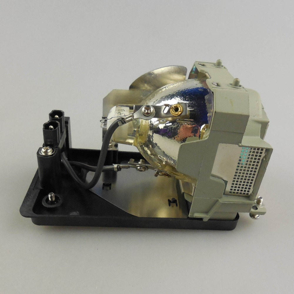 ФОТО Replacement Projector Lamp TLPLW27G for TOSHIBA TDP-T250J / TDP-TW300J