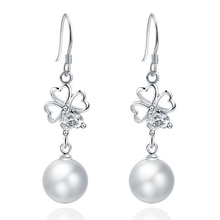 Pearl clover round earrings womens Korean fashion design pearl simple beautiful ear hypoallergenic gifts