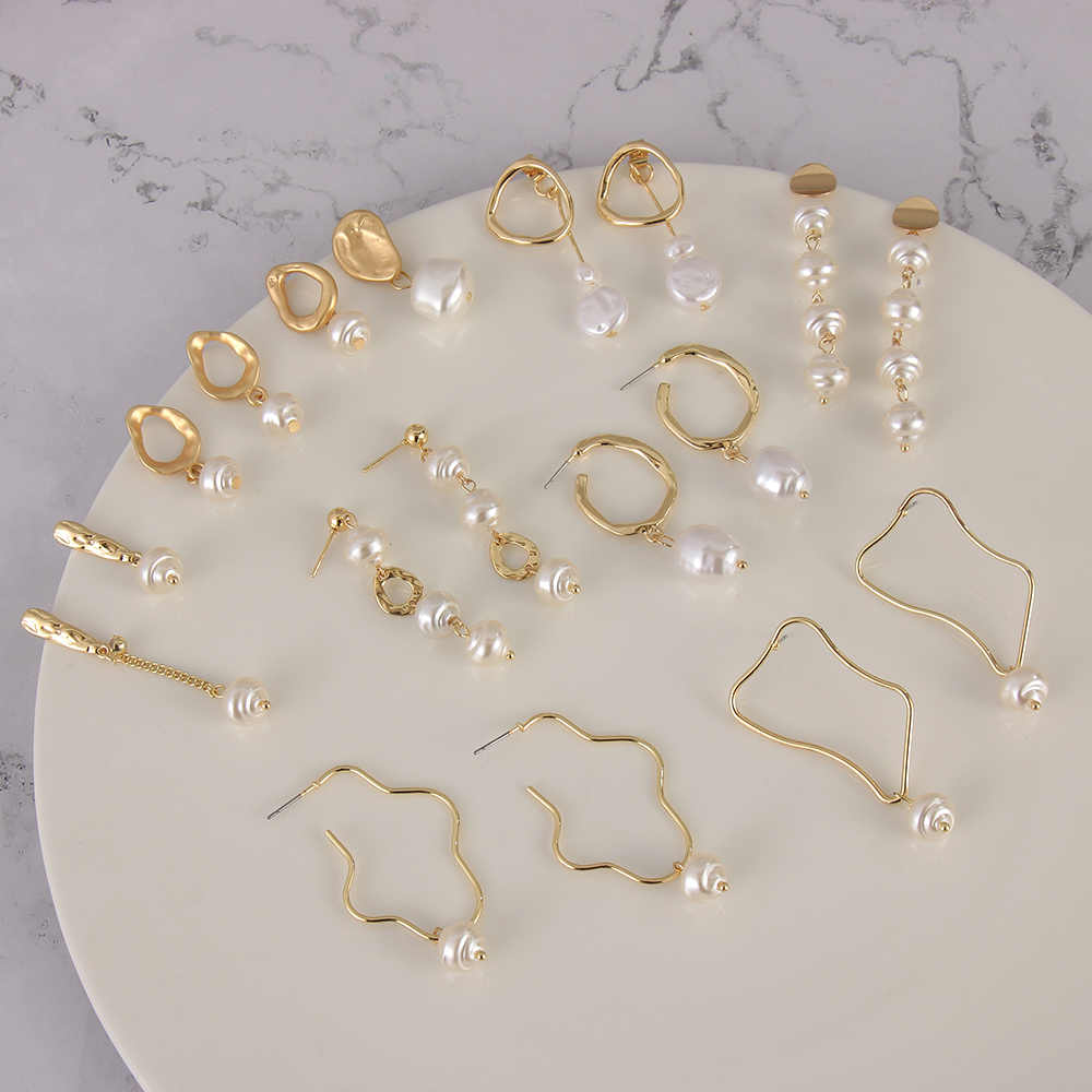 2019 Trendy Korea Design Metal Gold Geometric Irregular Circle Square Natural Freshwater Pearl Stud Earrings for Women Girl Gift