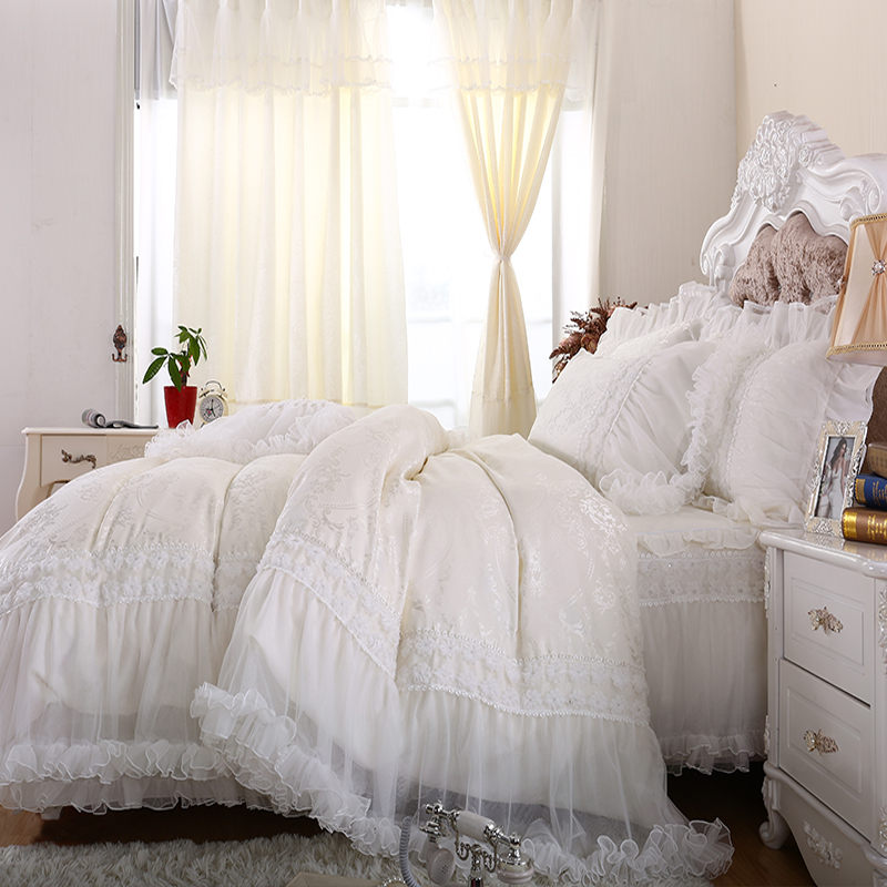 Free shipping wedding bedding sets queen size milk white satin jacquard lace bed skirts lace edge princess bedspread romantic