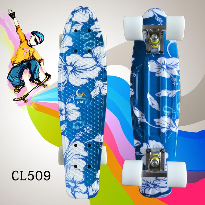 22 Inch Complete Mini Skate Board With White Flowers Pattern For Girl And Boy To Enjoy The Skateboarding Mini Rocket Board