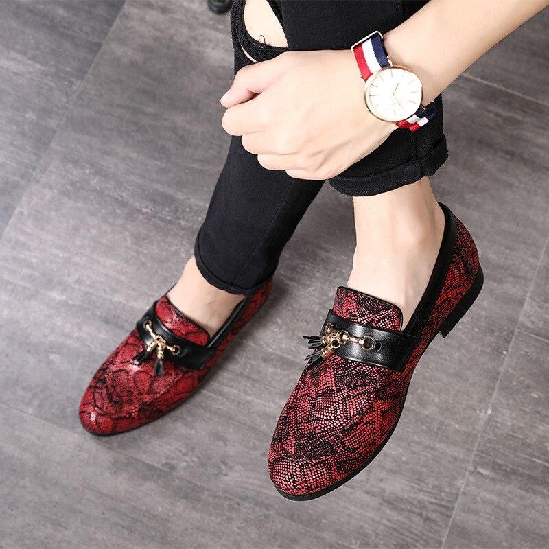 M-anxiu Personnalité Gland Motif Peau de Serpent Robe Chaussures 2018New Style Doug chaussures en cuir Décontractée Discothèque Fête De Noël Chaussures