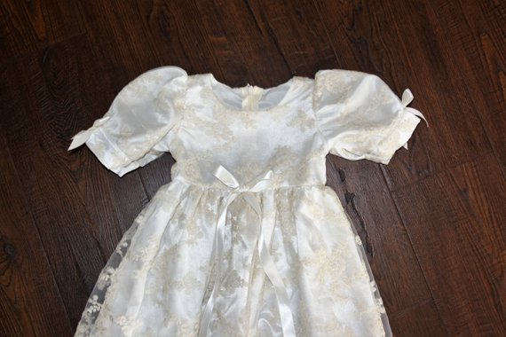 43d06a0aa3fa9 Heirloom Customized New baptism dress Royal christening gown Lace Short  Sleeves Baby Girls Boys Long Christening Gown with Hat