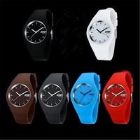Modern Popular Newest Style Women Men Silicone Band Quartz Sport Candy Jelly Color Wrist Watch