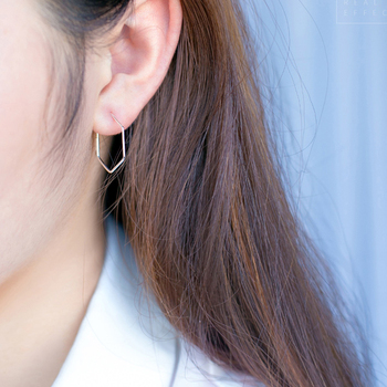 Kinitial Cut Out Hexagon Honeycomb Post Earring Open Line Hive Hexagon Geometric Bee Earrings for Women Statement Earring 3