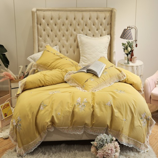 100% Egyptian Cotton Yellow Red 4 Pieces Lace Edge Duvet cover with Zipper King size Queen Bed sheet Bedding set Pillow shams
