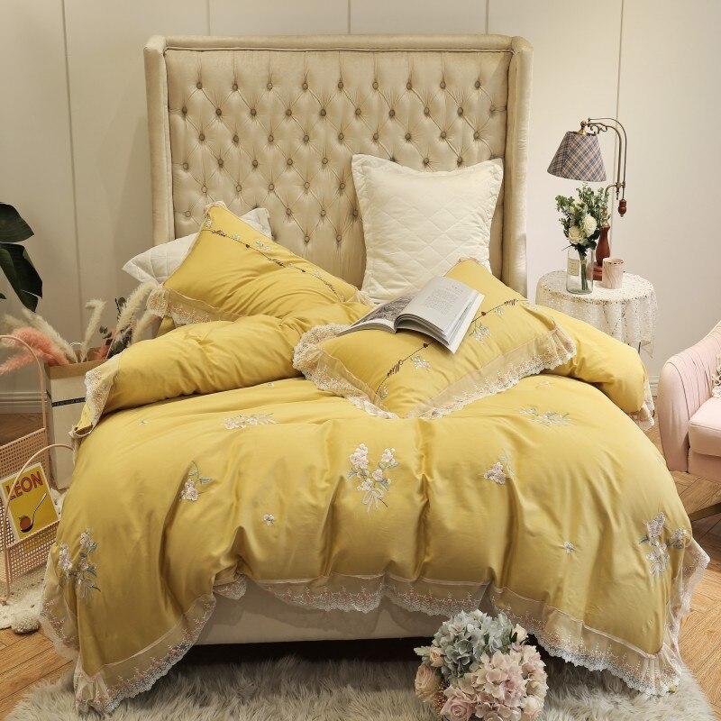 100% egipskiej bawełny żółty czerwony 4 kawałki koronki krawędzi kołdra pokrywa z Zipper King size łoże małżeńskie pościel arkusz zestaw poduszki shams w Zestawy pościeli od Dom i ogród na  Grupa 1