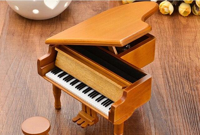Mooie Houten Piano.Us 36 6 Piano Houten Muziekdoos Stijl Burlywood Kleur 18 Tones Grand Geschenken Voor Valentijnsdag Klassieke Mooie Muziekdoos Met Kruk In Piano