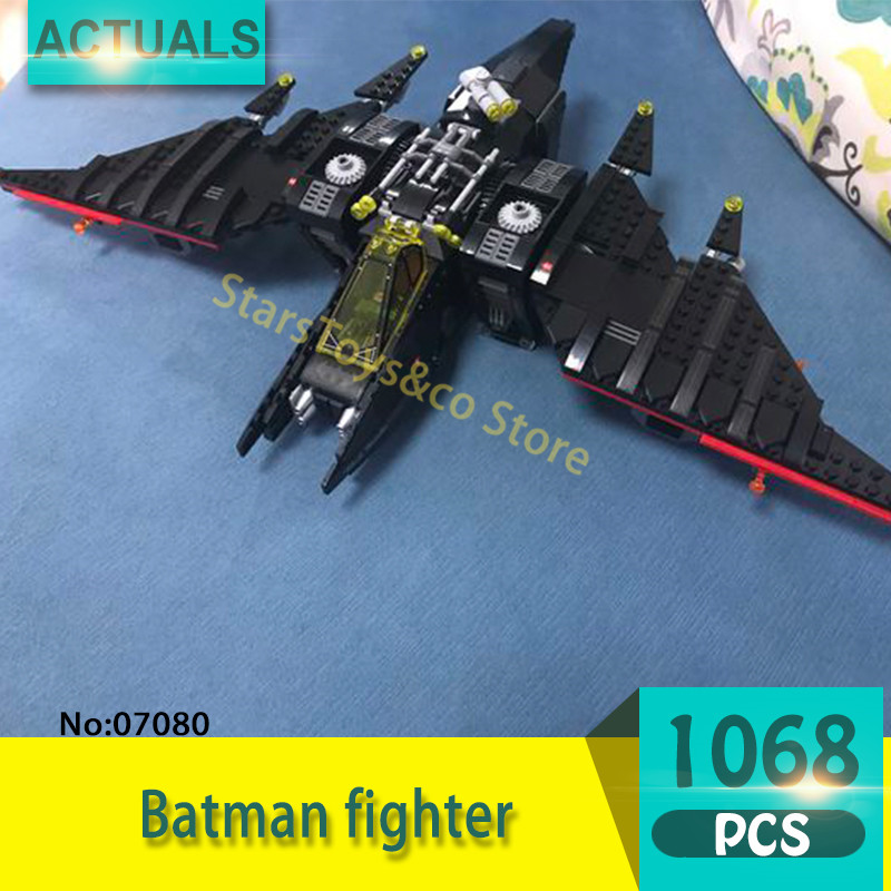 07080 1068Pcs Super heroes Series Batman fighter Model Building Blocks Set  Bricks toys For Children  Gift 70916 building blocks super heroes back to the future doc brown and marty mcfly with skateboard wolverine toys for children gift kf197
