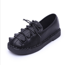 2016 New Pleated PU Soft Leather Women Flats T-Strap Moccasins Lace-Up Round Toe Zapatos Mujer