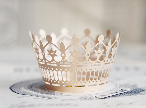 Free Shipping Lace Crown Wedding Cupcake Wrappers Paper