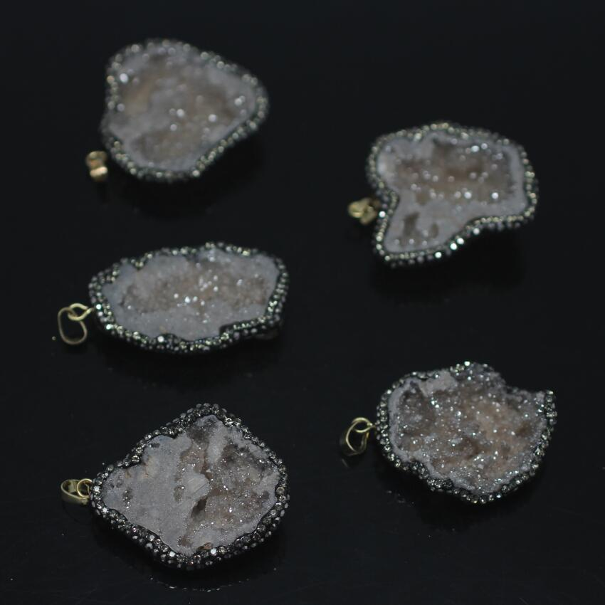 5PCS Natural gray Titanium Druzy Quartz Nuggets Pendant,Drusy Geode Paved Rhinestones with Gold Foil chip freeform Slab Pendant