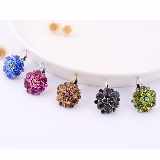 Rhinestone Stud Earrings For Women Flower Crystal Party Rose Pink Blue Boho  Clip on Earrings Fashion ab58ff6e6c5b