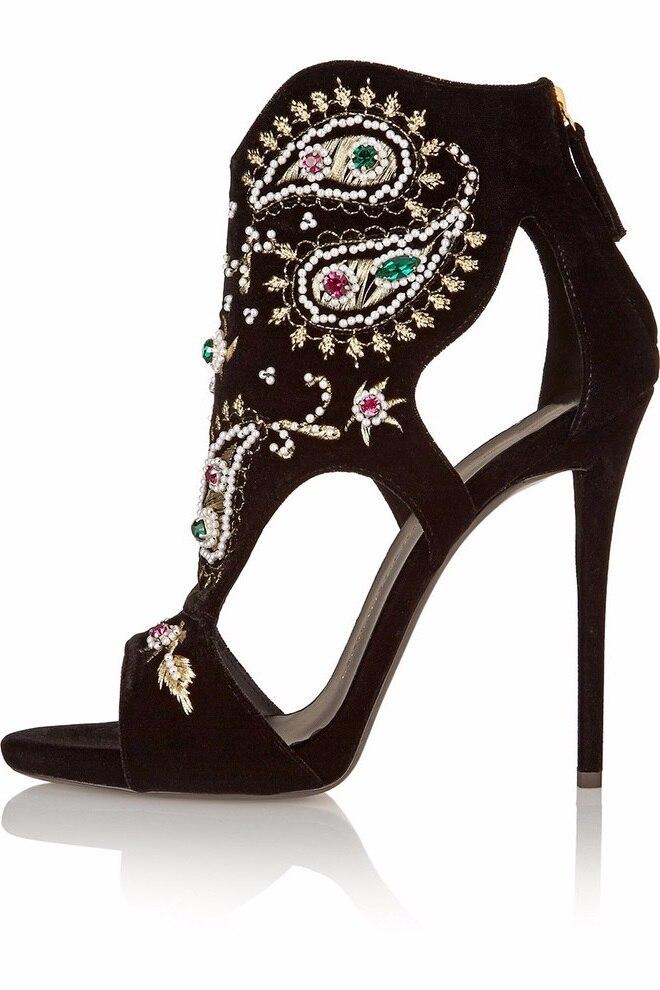 2018 new fashion Peep toe stiletto high heels women Sandals fretwork zipper pumps with Rhinestone rivets sandals big size