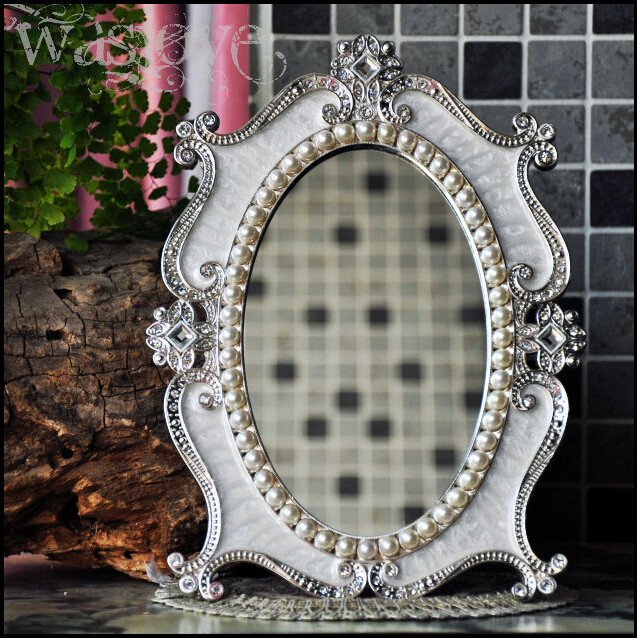 Desktop Makeup Cosmetic Mirror Floral Embossed Jewelry Pearl Inlayed Metal  Frame Table Decoration Mirror Makeup White J2194B