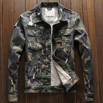 2018 European Style Camouflage Printed Mens Automotive Denim Jackets Hole Army Green Mens Jeans Coats Military Men Overcoat A228 камуфляжная джинсовая куртка мужская