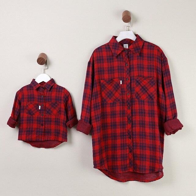 c11c927dc Trajes Madre Hijo y la Hija de la Ropa de algodón de corea red checked  gules celosía camisa de primavera/otoño de Manga Larga A Cuadros T camisas  ...