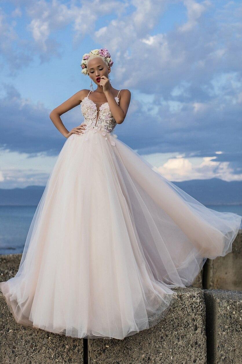 2019 Beach V Neck Wedding Dresses Spaghetti Straps Illusion Backless Sexy Modest Boho Bridal Gowns