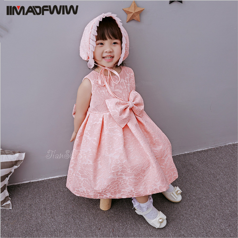 цены Korean Girls Baby Dress Newborn Baby Lace Birthday Party Clothing Infant Princess Cute Bow Solid Dress + Cap 2017 New Arrival