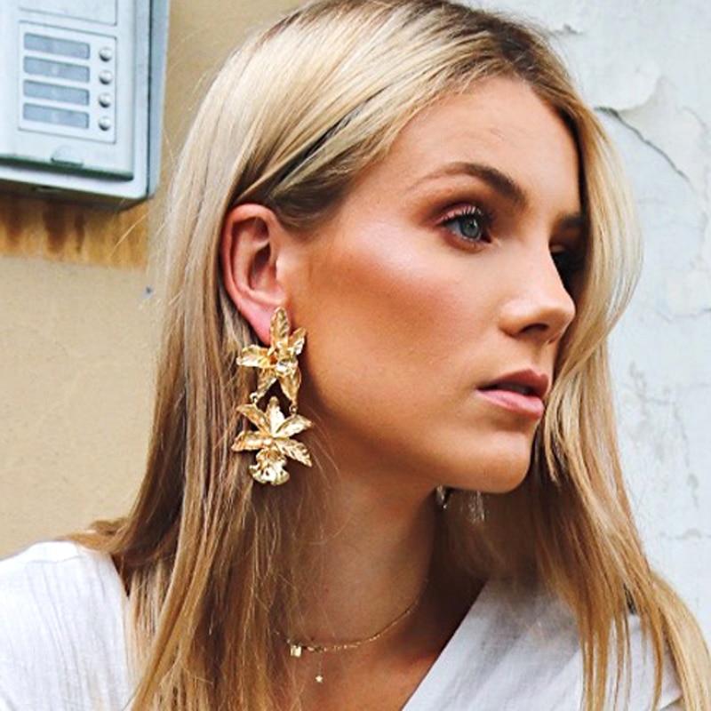Coco&Willow Oversized Flower modern drop earrings for women, Statement Earrings for party, fashion jewelry 2018 faux diamond metal fringe statement drop earrings