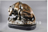 Hot sales Larger Size Sculpture  Bronze Lion fighting with Snake Statues Garden Ornament  French Souvenirs