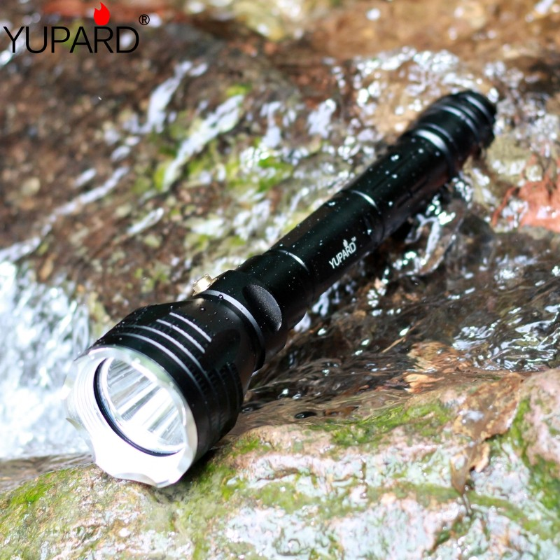 Купить с кэшбэком yupard diver diving 100m depth Underwater Flashlight Waterproof bright Torch XM-L2 LED T6 white lantern yellow light Lamp 18650
