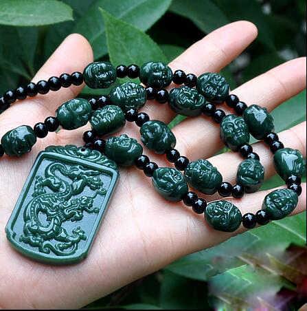 Colgante de tarjeta Xinjiang Hetian yulong dragón del zodiaco masculino con 18 Arhat jade collar