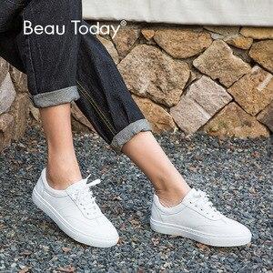 Image 1 - Женские туфли из натуральной кожи на плоской подошве, модные женские белые туфли на шнурках с закругленным носком из коровьей кожи с коробкой, 29017