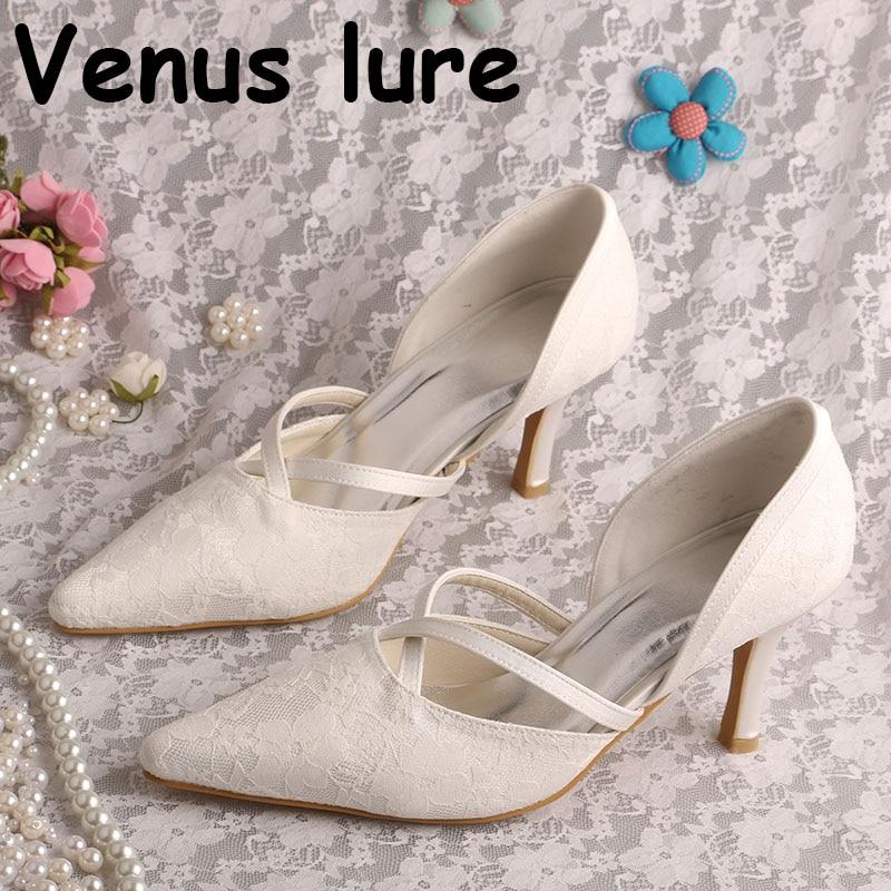 Customized Medium Heel Shoes for Women Ivory Lace Pointed Toe Bridal PumpsCustomized Medium Heel Shoes for Women Ivory Lace Pointed Toe Bridal Pumps