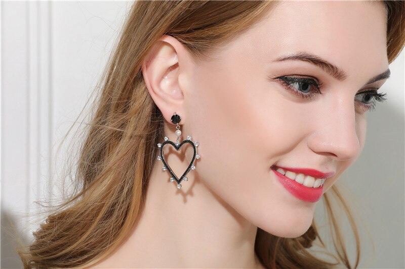 Célèbre nouvelle arrivée 925 argent Sterling Zircons noirs grand creux coeur boucles d'oreilles pour les femmes boucle d'oreille femme 2018