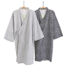 Male Simple Japanese kimono robes men summer long sleeved 100% cotton bathrobe fashion casual waves dressing gown men bathrobe