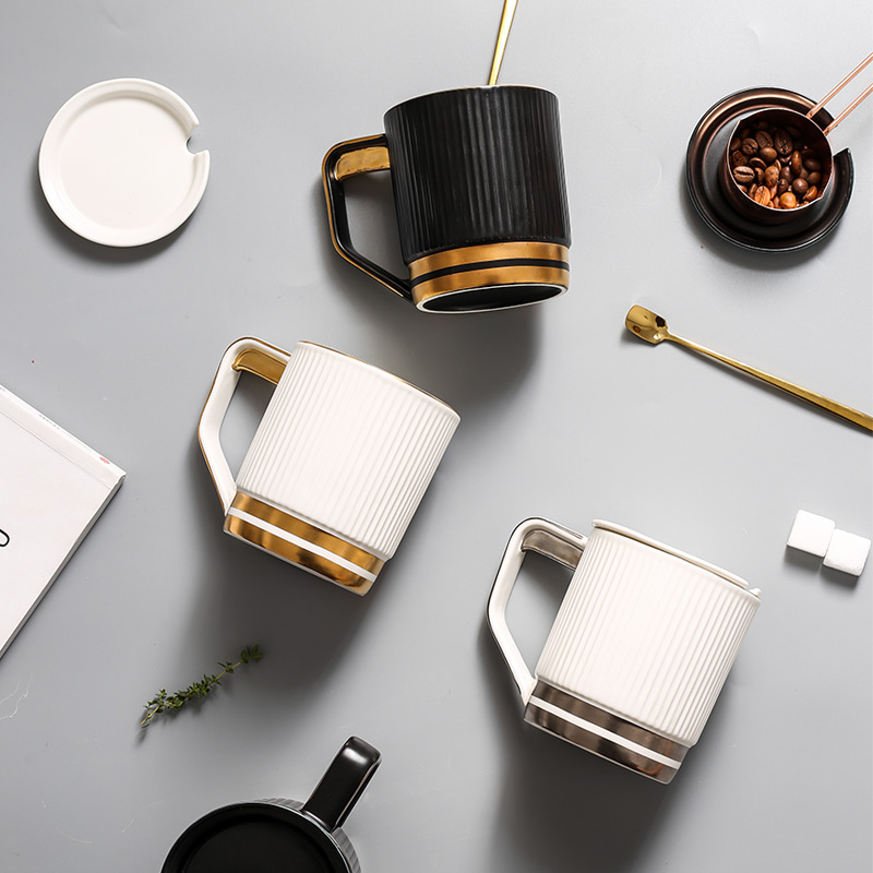 Mug with lid spoon <font><b>coffee</b></font> <font><b>cups</b></font> <font><b>porcelain</b></font> white black stripe tea <font><b>cup</b></font> home drink teacup tazas de cafe Office Water <font><b>cup</b></font> image