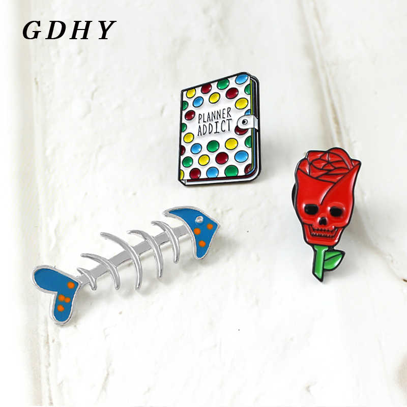 """Gdhy Pin Skull Rose Buku-buku Tulang Ikan Bros Merah Skull Rose Bunga Biru Tulang Ikan """"Planner Addict"""" Buku enamel Pin Perhiasan Anda Dapat Bermain"""