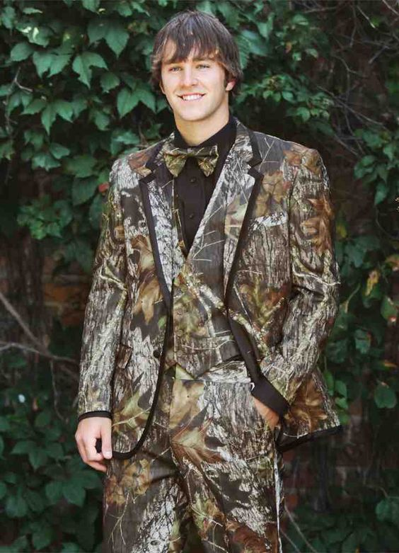 2018 Unique Camo Mens Blazer Designs Farm Wedding Camouflage Suit Men Slim Fit Tuxedos Custom Made Blazers Slim Fit Suit Jacket