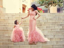 2015 Pink Mother Daughter Matching Long Dresses Romantic For Family Event Mermaid Dress For Wedding Party 2PC Gowns