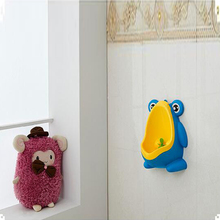 Baby Boy Frog Children Infant Toddler Potty Cups Wall-Mounted Urinals Toilet Training Children Stand Vertical Urinal