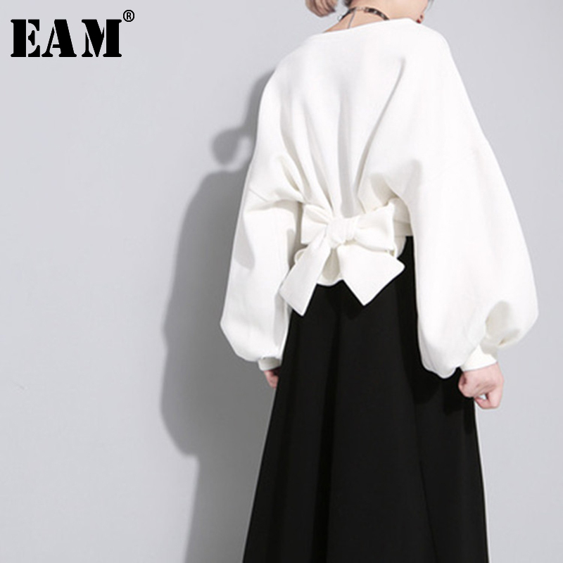 [EAM] 2020 New Spring Autumn Round Neck Long Sleeve Solid Color Black Back Bandage Bow Loose Sweatshirt Women Fashion  JE14101