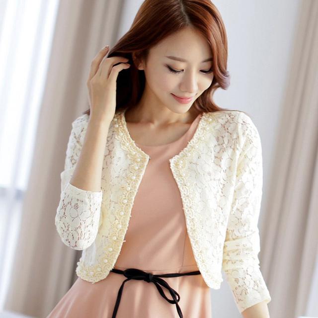 Nova 2016 Mulheres Moda Jaqueta de Renda longo-sleeved mulheres Sólidos casacos Plus Size mulheres outerwear Oco lace frisada curto jaquetas