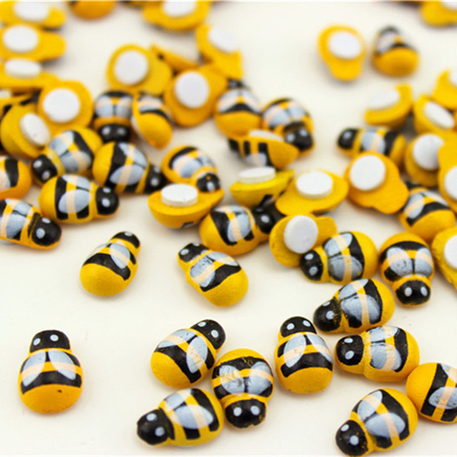 100pcs/lot Wooden Cartoon Mini Yellow Bee Ladybug Self-adhesive DIY Decoration For Home Wall Kids Birthday Party Decor Supplies