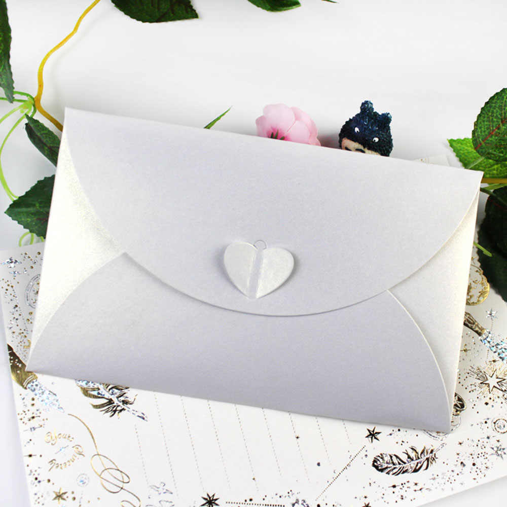 1pc Blank Mini Heart Buckle Retro Paper Envelope Wedding Party Invitation Envelope For Letter Greeting Christmas Halloween Cards