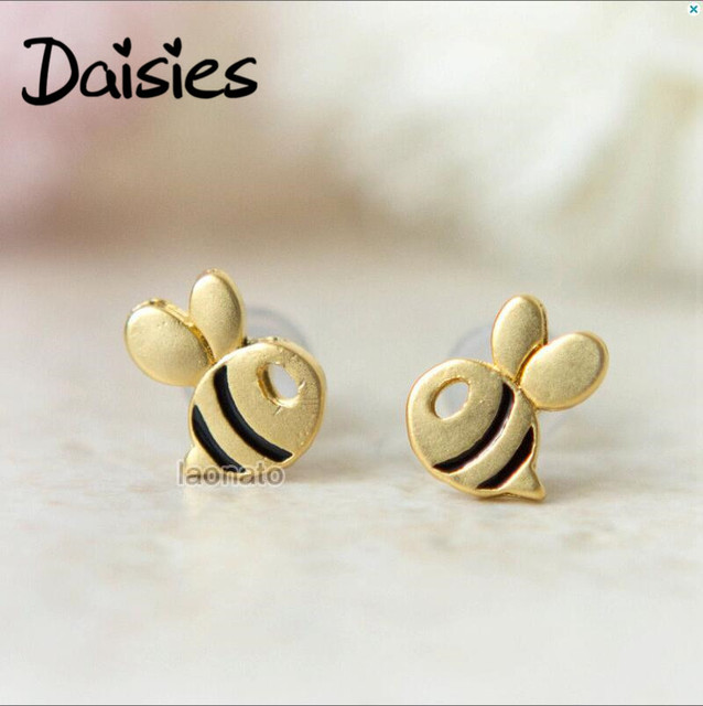 cbe2d911b06 Daisies 1Pair Fashion Cute Bee Stud Earring for Women Honey Bee Earrings  Unique Design Tiny Animal