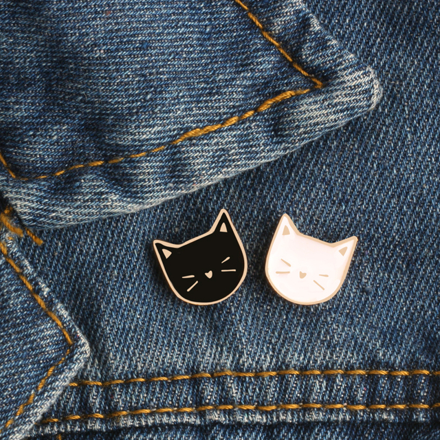 2pc/set Animal brooches black white Cat Metal Enamel Pins women Couple Badge Lapel Shirt Denim Accessories festival Gift