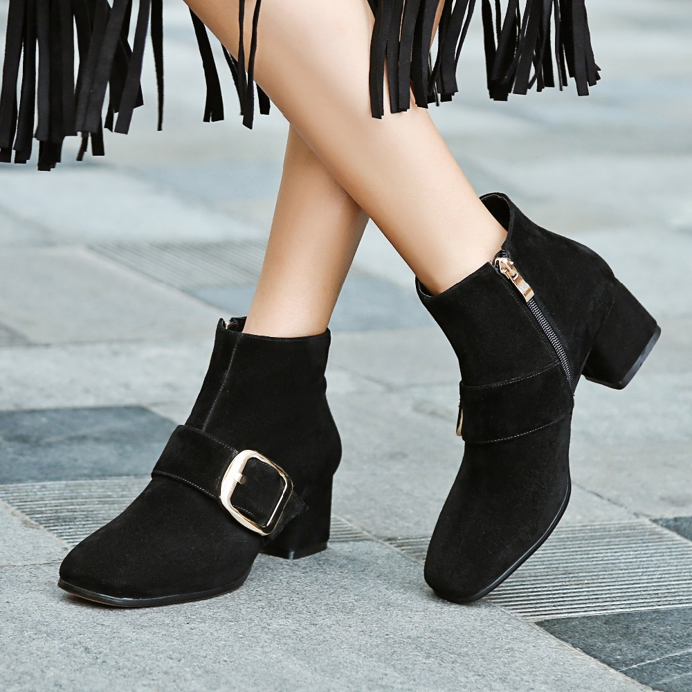 ФОТО Women's Spring Autumn Low Heel Comfortable Metal Buckle Genuine Leather Ankle Boots Brand Designer Short Booties Shoes for Women