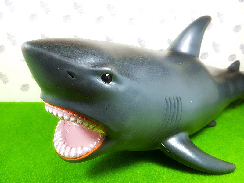 55CM Large Size Realistic Shark Figure Marine Sea Life Animal Replica Kids Children Soft Model Toy Animals Christmas Gifts 2016 new realistic life size 100