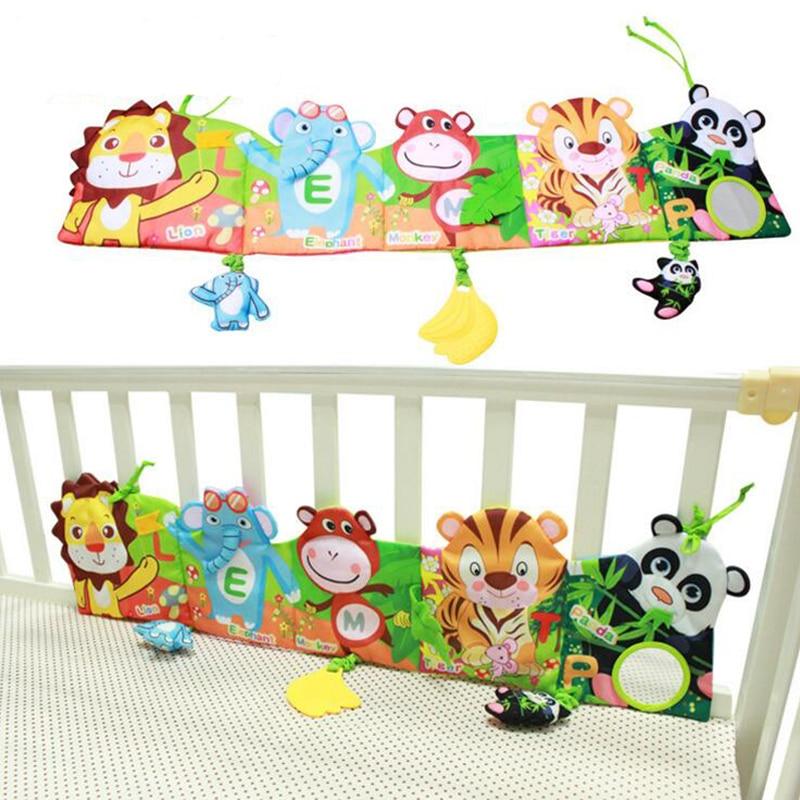 Детская кроватка вокруг и книжка с изображением животных. Детские милые игрушки для детской кровати. YYT504